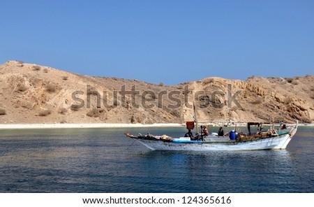 Eritrea, Dahlak Isles, Red Sea and white sand