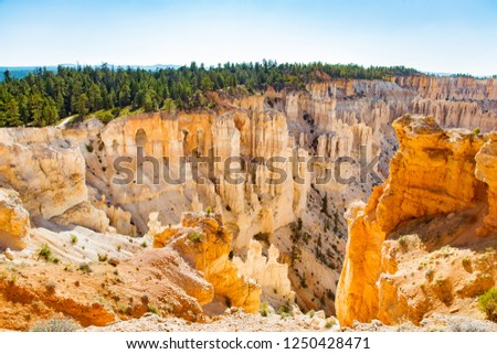 Eroded sandstone formations on the edge of Bryce Canyon's amphitheater