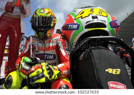 ESTORIL, PORTUGAL - MAY 6: Ducati team Valentino Rossi in the grid of MotoGP,  May 6, 2012 in Estoril, Portugal