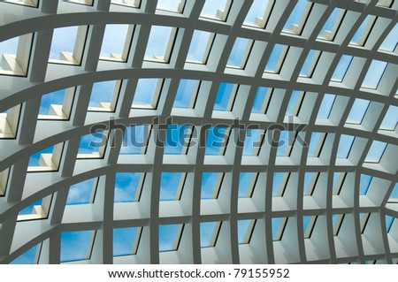 Ethmoid roof of glass, concrete and metal.