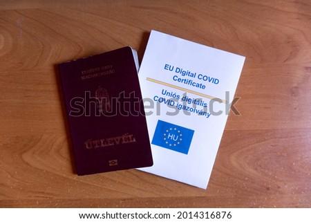 EU Digital COVID Certificate, EU Digitális Vakcina Útlevél Stock fotó ©