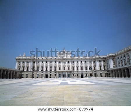 European Architecture with Pillars