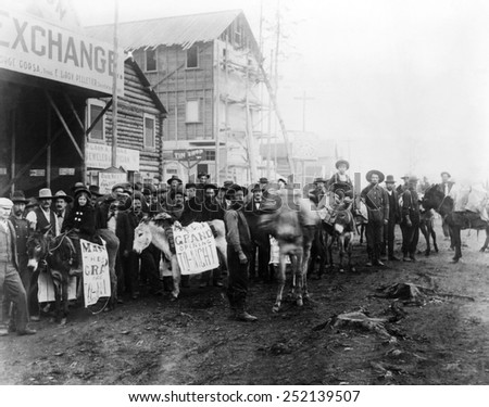 EV1801-GOLD RUSH TOWN, Dawson City during the 'Gold Rush', c. late 1830s.