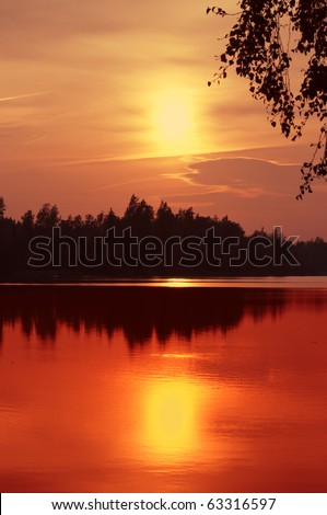 Evening at a lake in Sweden, a symphony of colors.