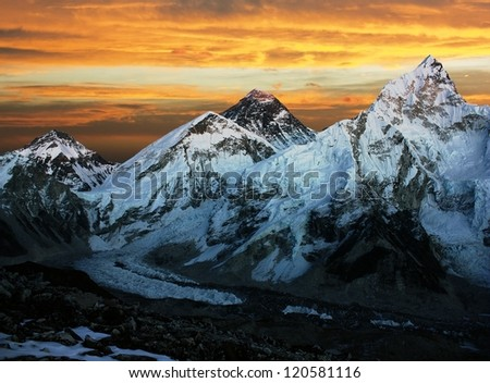 Evening view of Everest and Nuptse from Kala Patthar