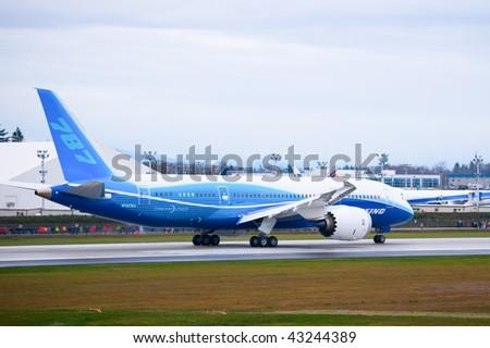 EVERETT, WA - DECEMBER 15: Boeing 787 Dreamliner on runway prior to the first flight December 15, 2009 in Everett, WA