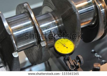 Examination of a crankshaft