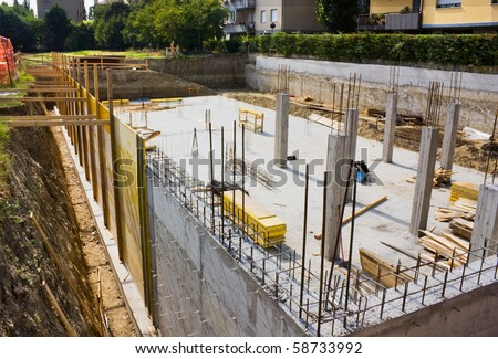 And foundation for the construction of a building masonry work