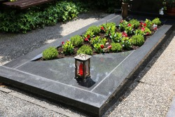 Exclusive marble grave design