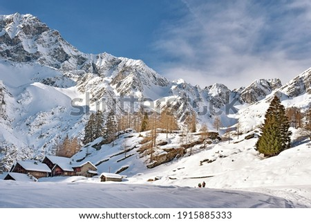 Excursion to the Valle d'Otro, above Alagna Valsesia, among the landscapes and the ancient Walser huts Foto stock ©