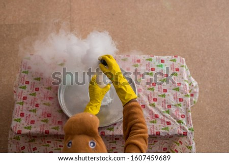 Experiments with dry ice for children