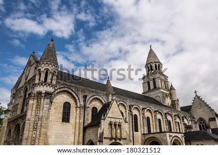 Exterior architecture of E?glise Notre-Dame la Grande. Poitiers, France Photo stock ©