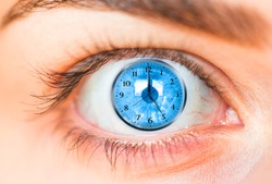 eye and clock