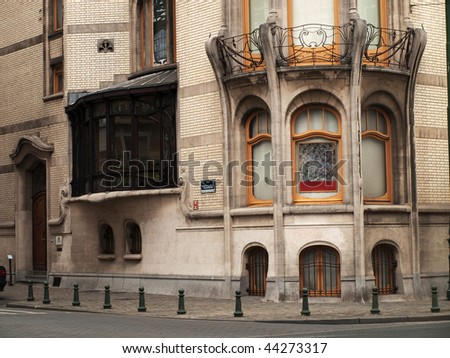 Facade of one of the Brussels buildings in Art Nouveau style #44273317