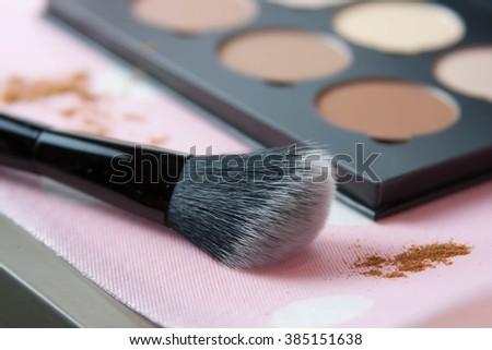Face contour powder blush kit with soft angled brush  #385151638