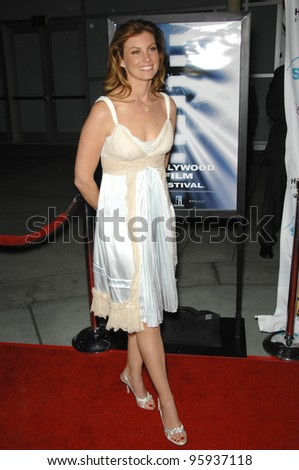 """FAITH HILL at the Hollywood Film Festival's opening night gala premiere of """"Flicka"""". October 18, 2006  Los Angeles, CA Picture: Paul Smith / Featureflash"""