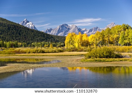 Fall color at Oxbow Bend in Grand teton National Park