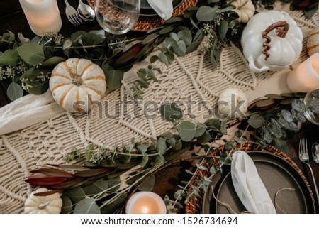 Fall themed table scape for your Holiday dinner parties.