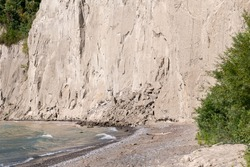 Falling rocks at the Bluffs