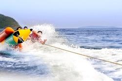 family play  banana boat ,activity for relax