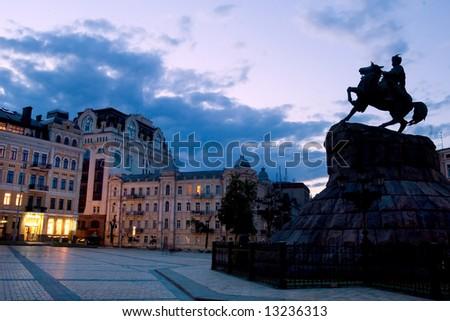 Famous monument to Ukrainian hetman in downtown Kiev
