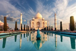 Famous Taj Mahal, wonderful sight of India, Agra