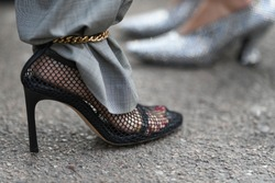 Fancy shoes in detail - street style outfit  - StreetStyleFW2020