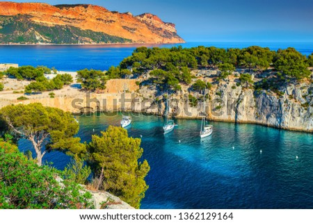 Fantastic vacation place, stunning viewpoint on the cliffs, Calanques de Port Pin bay with yachts and sailing boats, Calanques National Park near Cassis, Provence, South France, Europe Photo stock ©