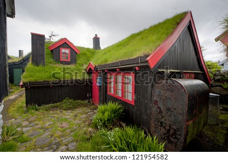 Far Oer downtown grass roof wood house F�¦r ��er T�³rshavn