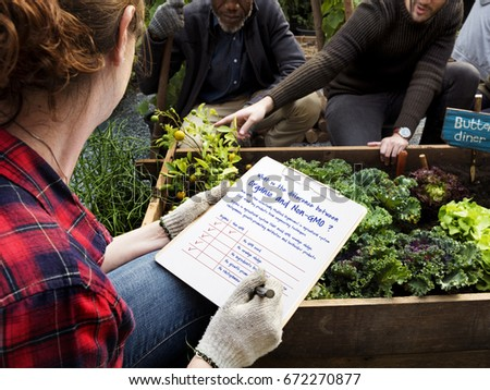 Farmer do a check list organic and non-gmo #672270877