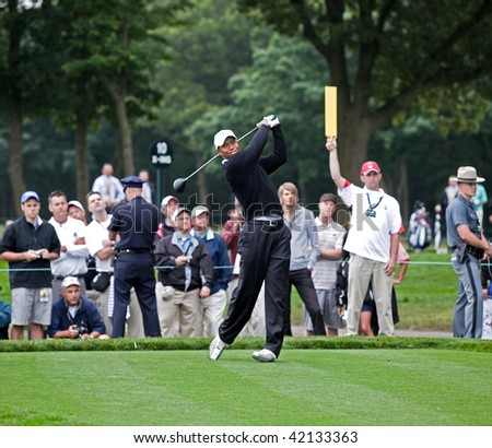 FARMINGDALE, , NY - JUNE 16: Tiger Woods tees off the 12th hole on the Black Course during a practice round at the 2009 US Open on June 16, 2009 in Farmingdale, NY.
