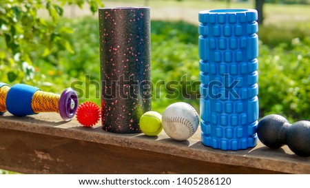 Fascia training - massage balls, roll and other body roll recovery. Self myofascial release for trigger zones