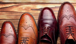 Fashion classical polished men's brown oxford brogues.top view