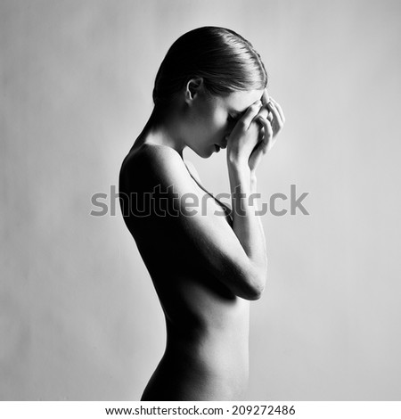 Stock Photo Fashion photo of beautiful nude woman. Black and white photography