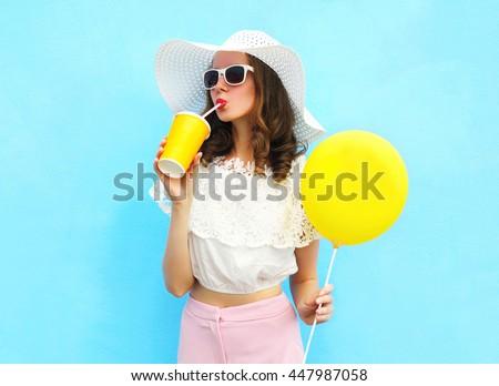 fashion pretty young woman...