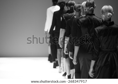 Fashion Show, Catwalk Runway Show Event ストックフォト ©
