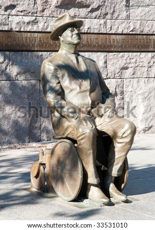 FDR in a wheelchair statue
