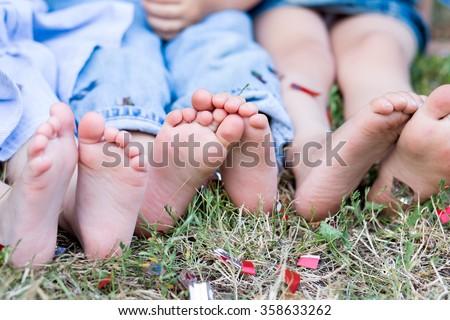 feet, children's feet