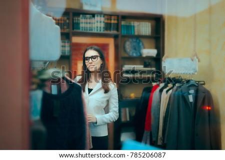 female boss entrepreneur small...