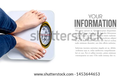 Female feet weighing scale pattern on a white background isolation Foto stock ©