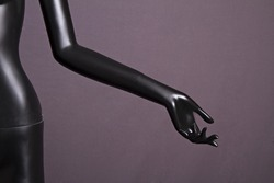 Female mannequin hand