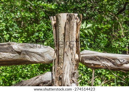 fence post centered