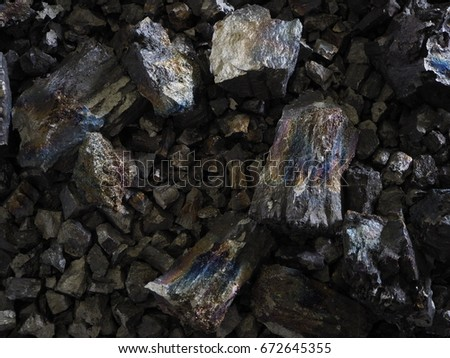 Ferro manganese crushed into pieces of variable size, to meet the customer's demand  Foto stock ©