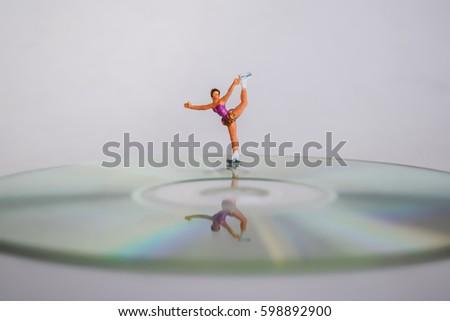 Figure skating  #598892900
