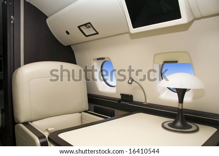 First Class (airplane)