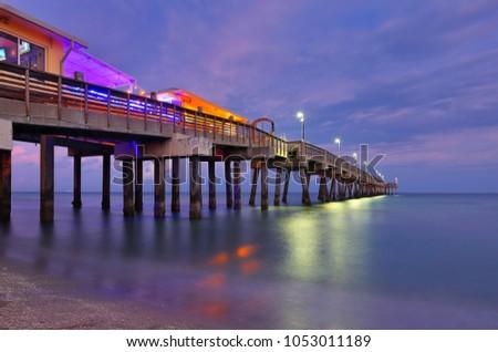 Fishing Peer at Dania Beach at Sun Set, Fort Lauderdale, Florida, USA.  Zdjęcia stock ©