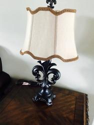 Fleur-de-lis lamp for the home