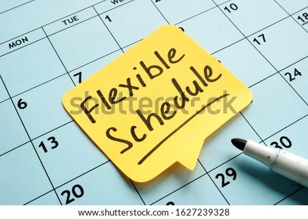 Flexible schedule handwritten memo on the calendar. Foto stock ©