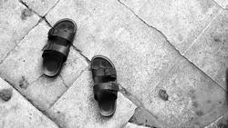 flip flops blackandwhite background wallpaper