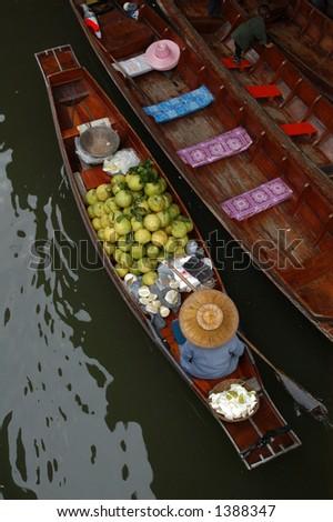Floating market in Damnoen Saduak near Bangkok, Thailand.